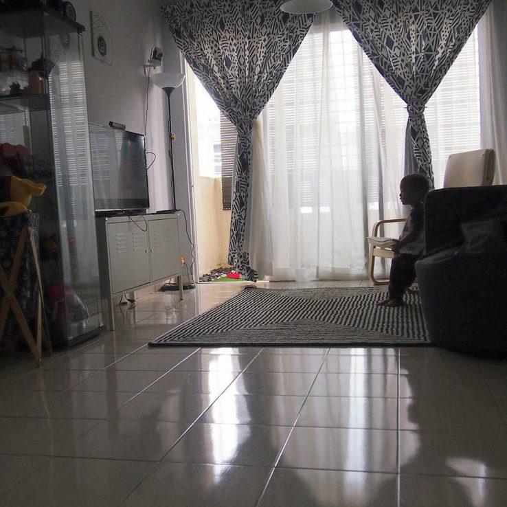 kilatkan permukaan lantai