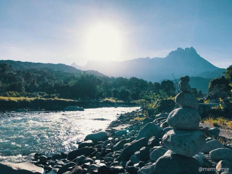 Malam Tengok Bintang, Bangun Pagi Boleh Hirup Secawan Kopi Panas Bersaksikan Gunung Kinabalu..