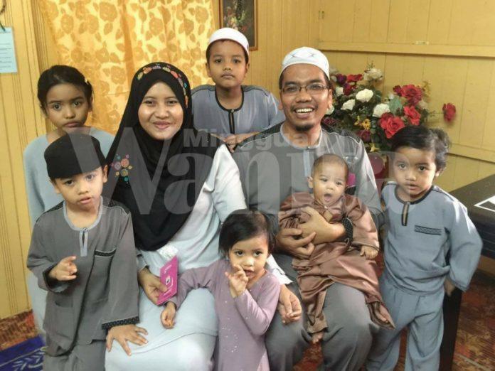 Bersalin Anak Ke-7, Suami Setia Temani Dari Kontraksi Sampai Melahirkan Dengan Bacaan Surah Maryam Dan Yasin