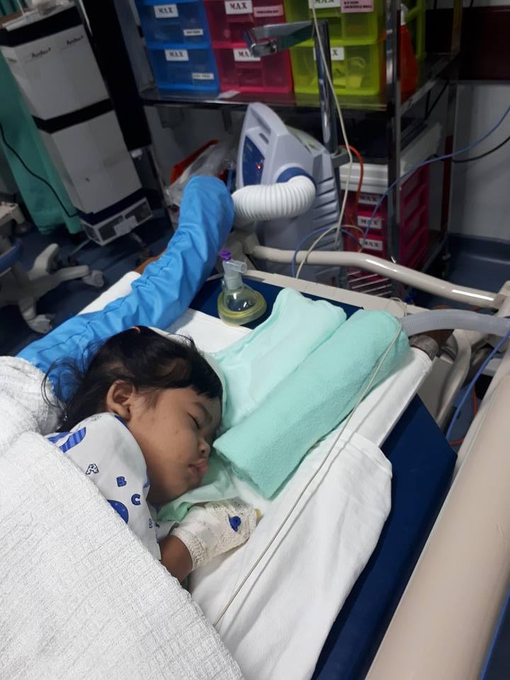 Debaran 2 Hari Menanti PEMBEDAHAN Bila Anak 2 Tahun Tertelan Syiling, Doa Dan Zikir Inilah Yang Ibunya Baca Agar Tak Cemas
