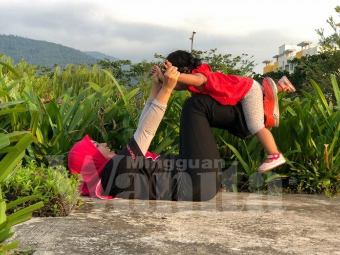 Cara Ibu Ini Mantain Berat Ideal 57KG Unik, Naik Turun Tangga 10 Tingkat Plus Bersenam Dengan Anak