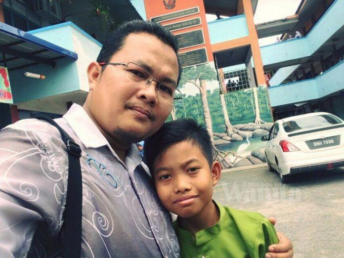 'Abang Awak, Ayahnya Meninggal Tapi Tetap Ambil UPSR' Sebak Pesan Guru Ini Pada Pelajar Kaki Ponteng
