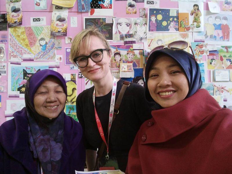 'Dari Sekolah Rendah, Setiap Tugasan Saya Ada Sentuhan Mak' Selepas 30 Tahun Ibu Ini Kongsi Kejayaan Dengan Anak