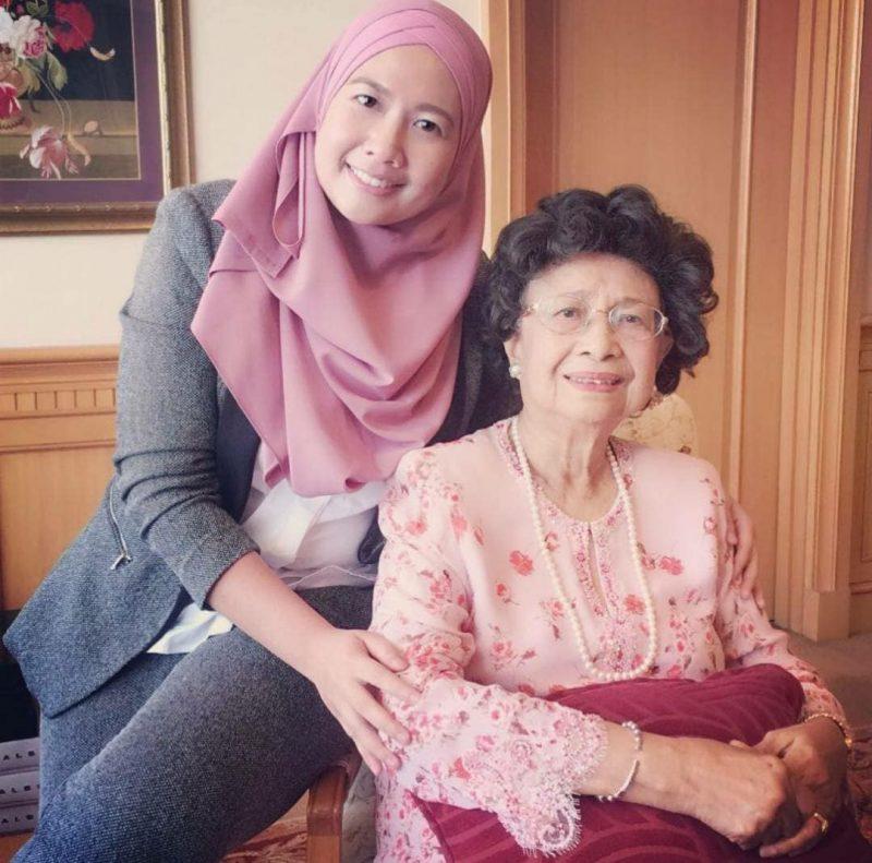 Tun Siti Hasmah