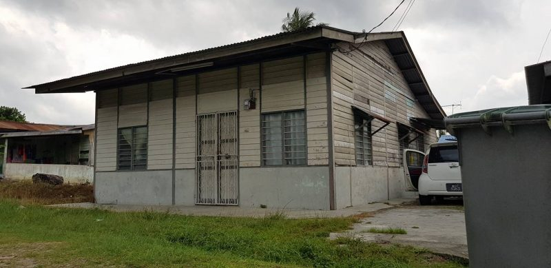 Sepakat 6 Beradik, Menantu Hadiahkan Mak Deko Raya 'Vintage Retro Moden' Di Rumah Kampung Usia 50 Tahun
