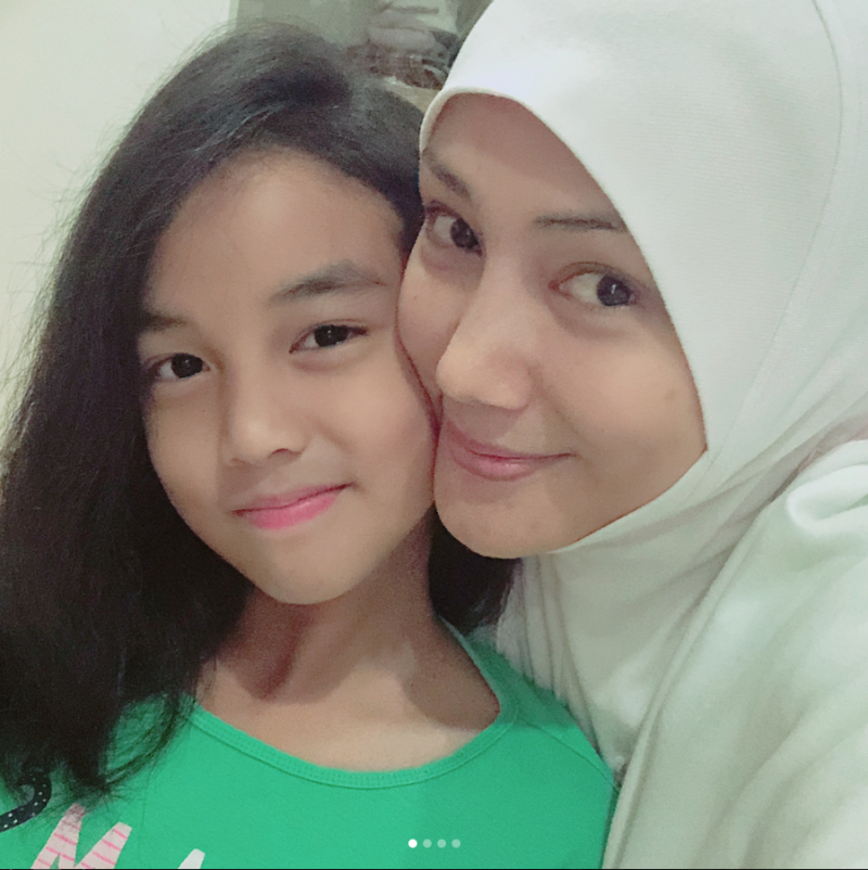 Alahai Sweetnya Ucapan Engku Aleesya Untuk 'Mom' Erra Fazira Sempena Hari Ibu