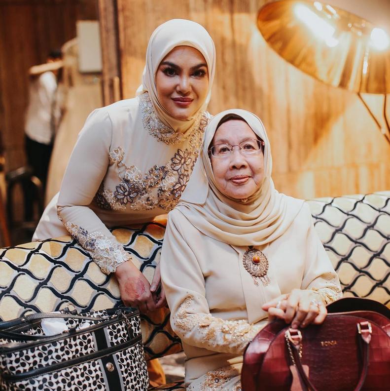 Umie Aida Kongsi Dengan Peminat Ilmu Rahsia Al Fatihah, Doakan Semua Dalam Keberkatan Dan RahmatNya