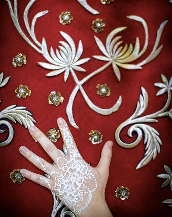 Ziela Jalil Dapat Menantu Doktor Manisnya Henna Putih Di