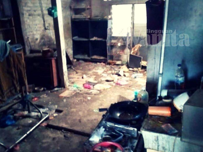 rumah kotor