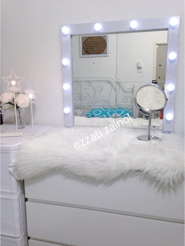 Nak Beli Siap Tak Mampu, Buat DIY Vanity Mirror Guna Kos Paling Bajet