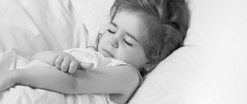 Resah Anak Ekzema, Hati-hati Sapu Kulit Merengsa Itu Dengan Macam-macam Petua