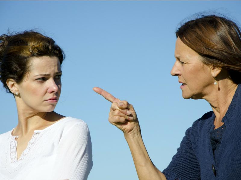 Mak-mak Mentua, Jangan Lakukan Tiga Kesalahan Ini Pada Menantu!