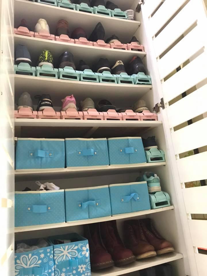 Kasut Berterabur Dalam Rak Kemas Bersusun Guna 'Shoe Slot', Cuma RM2.10