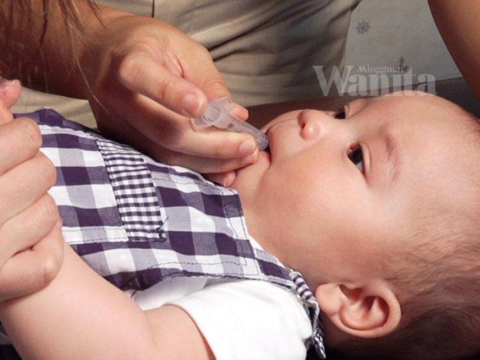 anak makan ubat