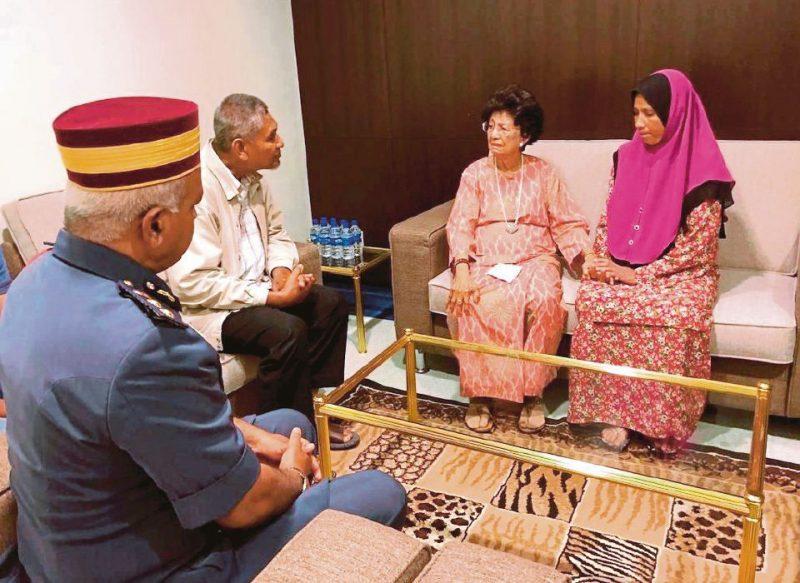 Doakan Adib Yang Kembali Kritikal, Tun Dr Siti Hasmah Sayu Hingga Menitis Air Mata