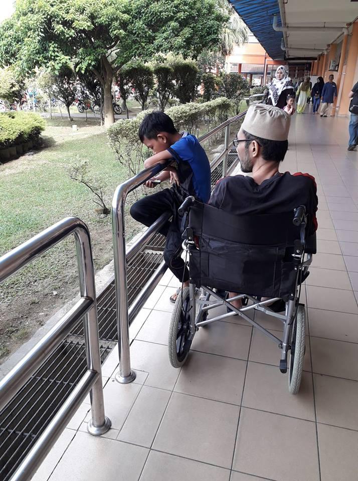 Rupanya Allah Atur Anak Lelaki Penghidap Sindom Nefrotik, Jadi Peneman Abah Ke Hospital