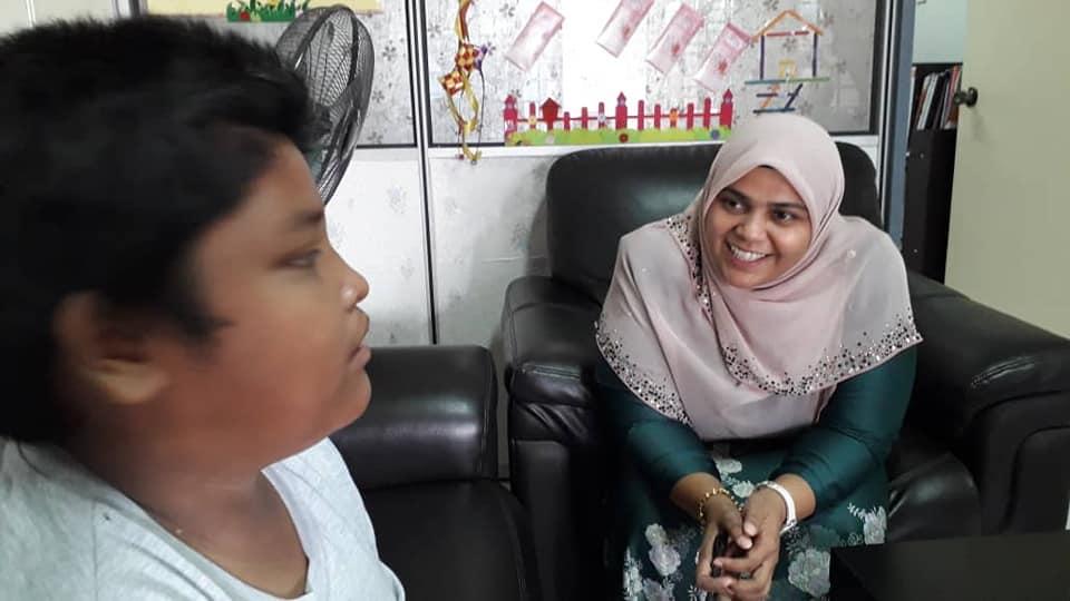 Selepas Anak 12 Tahun Tinggal Sendiri Ini Viral, Ramai Offer Bela