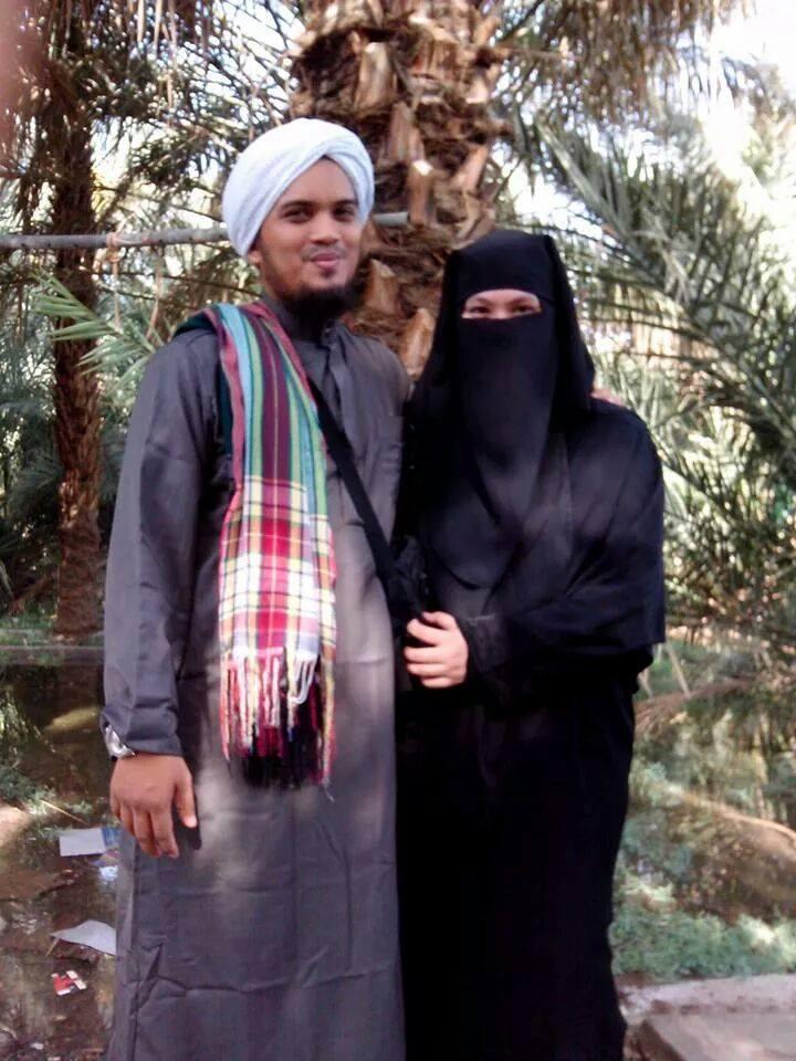Dengan Kesetiaan Dan Pengorbanan Isteri, Tergamakkah Suami Pilih Berpoligami