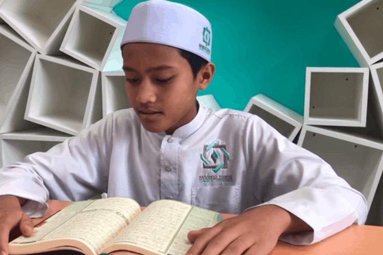 Iman Solat Tarawih Remaja 13 Tahun, Dibacakan Ayat Suci Al-Quran Sejak Dalam Kandungan