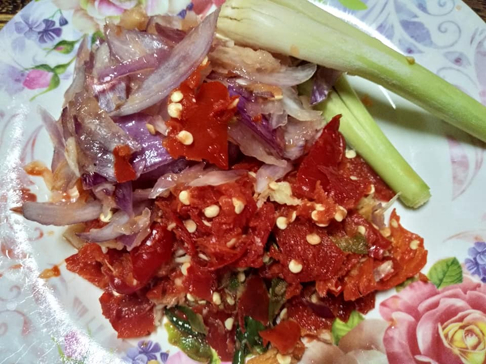 Ayam Kari Kering Pedas Merecik! Buat Yang Tak Gemar Lauk Berkuah - Mingguan Wanita
