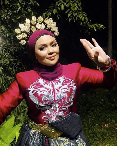 Menari Dalam Hutan Malam Hari, Siti Sairah Lalui Pengalaman Seram