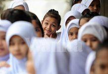 Walau Cuma Tukar Beg Sekolah Idaman, Sepanjang Tahun Anak Senyum Bahagia