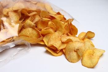 Makan Kerepek Memang Sedap, Rupanya Itu Penyebab Naik Berat Badan