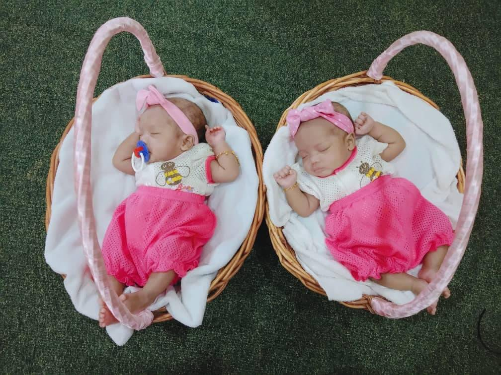 Anak Kembar Iras Arwah Isteri, Dua Bulan Membesar Tanpa Kasih Ibu
