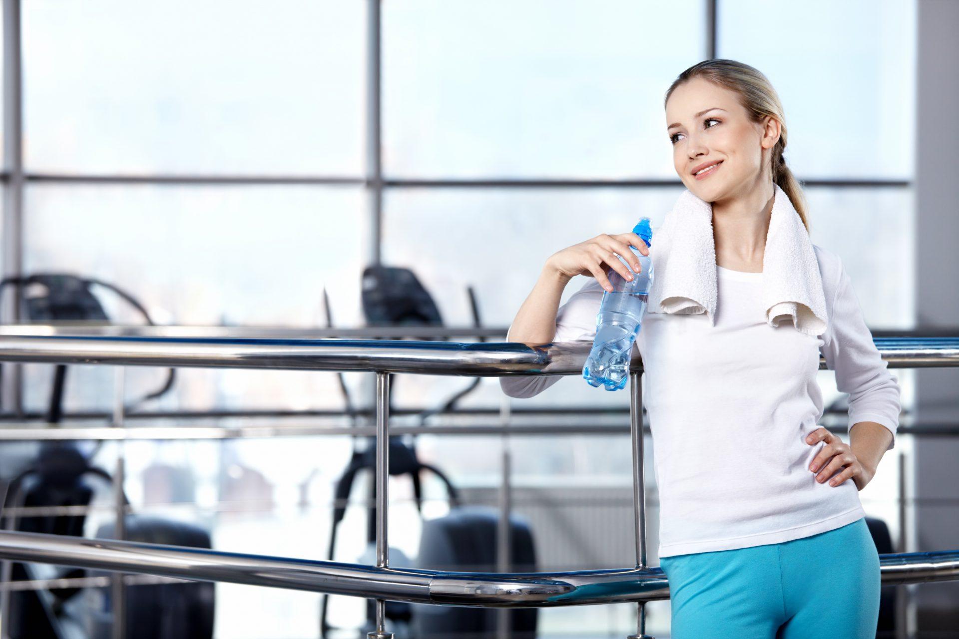 Berolahraga Jangan lupakan aktiviti fizik kerana dengan berolah raga mampu membantu membuang racun-racun dan kotoran yang ada dalam kulit menerusi perpeluhan saat beraktiviti.
