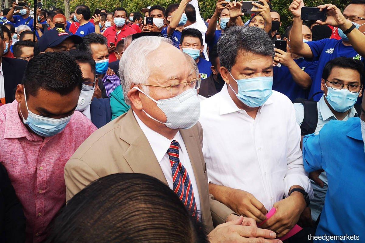 Bersalah 7 Pertuduhan, Najib Dihukum Penjara 12 Tahun, Denda RM210 Juta