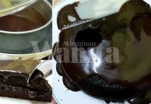 Resipi Kek Coklat Moist Ini Super Sedap, Tanpa Oven Dan Mixer!