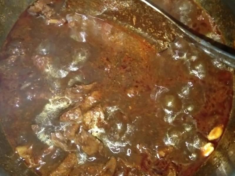 Resipi Daging Masak Hitam Pekat Likat, Rasanya Macam Makan Lauk Kenduri!