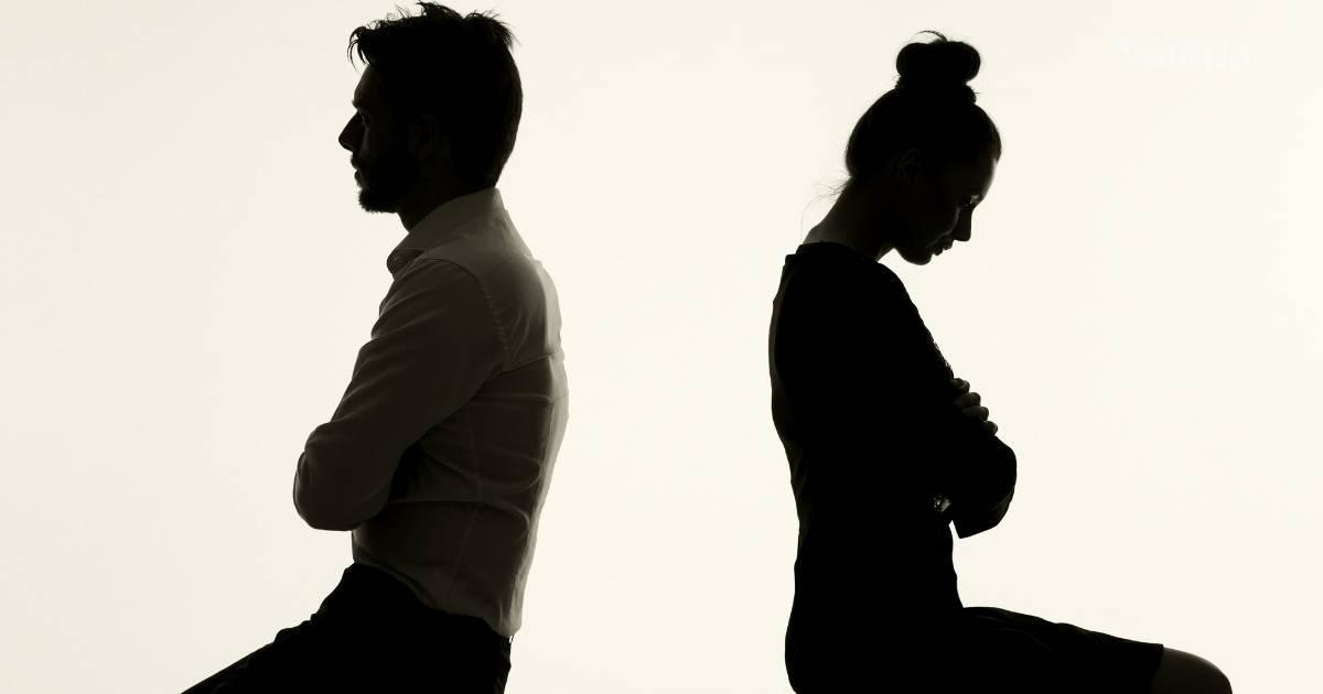 Cerai Lepas Jumpa Kekasih Lama Di Majlis Reunion Rakan Sekolah