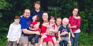 Ada 6 Anak Kandung, Tak Halang Ambil 5 Anak Angkat 'Istimewa'!