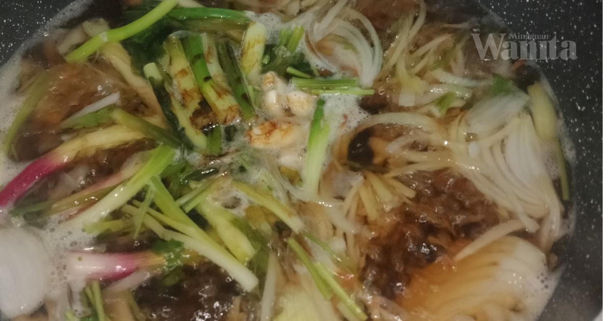 Rasa Tak Sihat Nak Demam, Elok Makan Sup Gai Mun Farang Ni